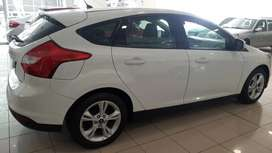 Ford Focus 1.6  S 5P