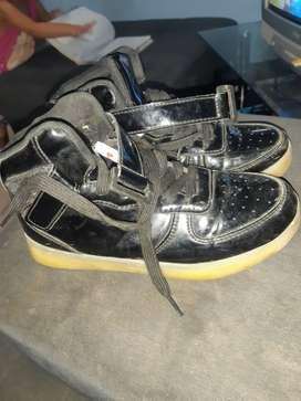 Zapatos negros de mujer usados en buen estado numero 34