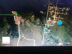 Terreno camino al perichon a 3 cuadras del acceso principal