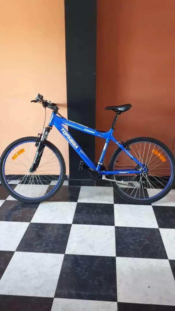 VENDO Exelente y Hermosa Bicicleta TOP MEGA. 0