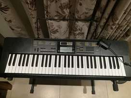 Piano Casio CTK-2400