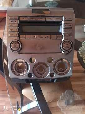 Vendo radio original Mazda BT 50 modelo 2008 A 2011