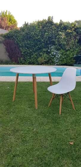 (Promoción)Juego de Mesa redonda y 4 sillas Eames. Nórdico