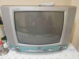 Tv LG economico funciona excelente (sin control)