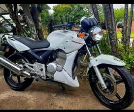 Honda Twister 250cc impecable por donde la mires con 20 mil km