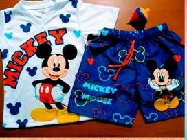 Se vende 4 conjuntos multiusos talla 2 para niño.