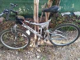 Remato Bicicleta  Marca Best aro 26x2.125