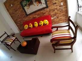 Lindo juego de sala  el sofá es sofacama
