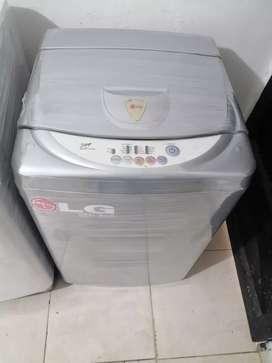 Lavadora 15 libras, Lg, digital, pequeña, buen estado