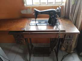 Maquina de coser inglesa singer