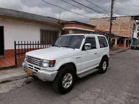 Vendo Mitsubishi Montero 2400