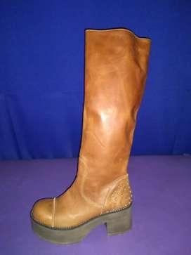 Hermosos calzados femeninos nuevos sin uso