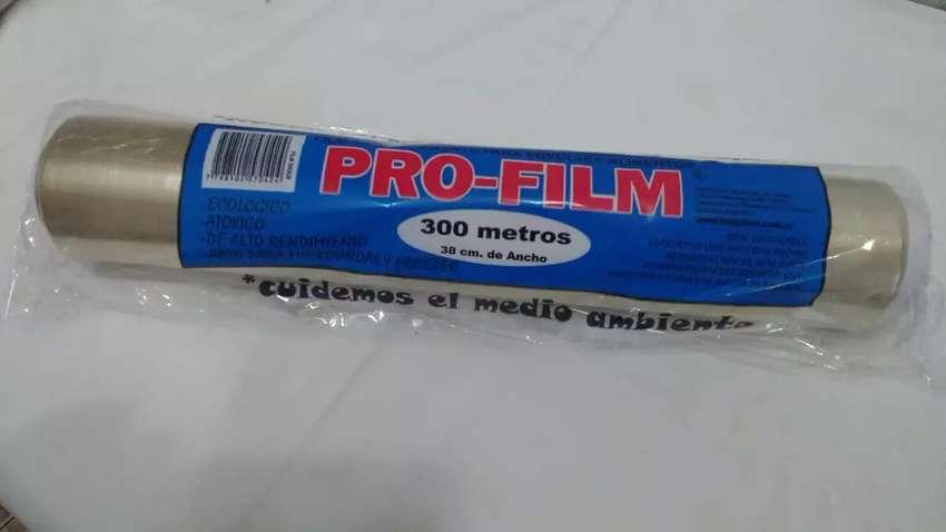 Film PVC apto comestibles 38x 300 mtos 0
