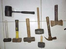 Juego de almadanas y martillos