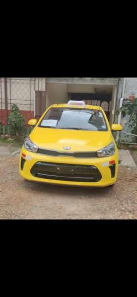Vendo taxi con línea vehículo 2020