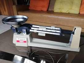 Balanza marca OHAUS triple Beam 2610g