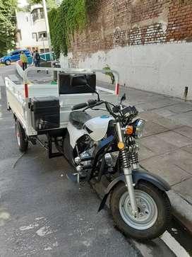 Vendo moto tricargo motomel 200 cc