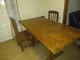 Mesa y 6 sillas algarrobo