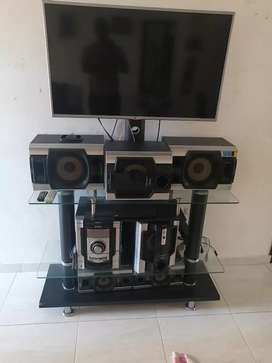 Se vende televisor smart TV lg DVD equipo sonido mueble $2000.000.