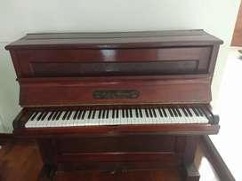 Piano antiguo Francés