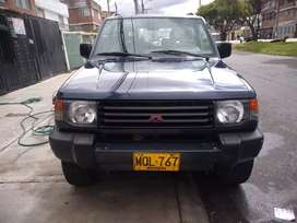 Vendo Montero 2.4 en perfecto estado