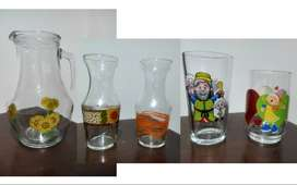Combo 5 recipientes variados 1 Jarra + 2 recipientes tipo vaso de mesa +  2 Vasos Colanta