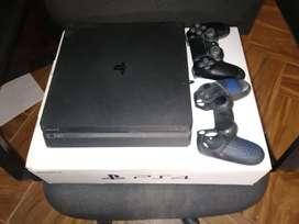 PS4 Un mando 4 juegos estado 9/10