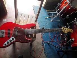 bajo fender jazz bass deluxe V min