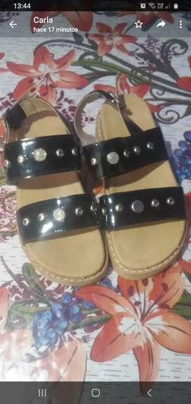 Vendo sandalias nena