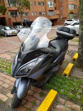 Venta moto  Kymco Downton 300i- Excelente estado