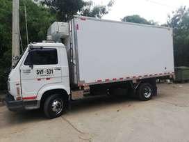 Se vende furgón en excelente estado caja de nissan transversal con bajo motor original troque de 500 con bajo
