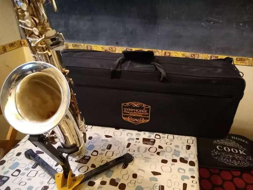 Vendo  saxo tenor aleman 0