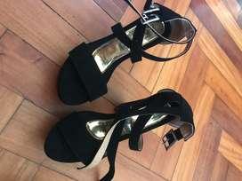 Zapatos de plataforma color negro