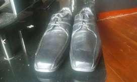 zapatos en cuero totalmente nuevos