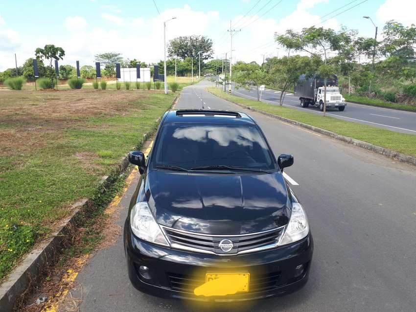 Nissan Tiida Hb Premium 2012 Versión Ful 0