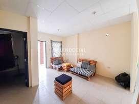 Alquiler de casa en Urbanizacion Villa Italia - Av. Leon Febres Cordero