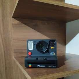 Polaroid OneStep 2 with Viewfinder cámara instantánea.