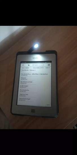 Kindle touch generacion cuatro con case luz