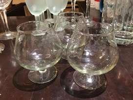Juego de copas y vasos en cristal viselado casa, bar o restaurante