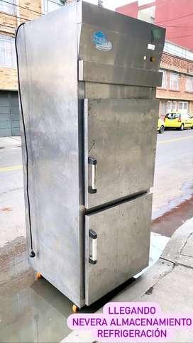 Nevera vertical refrigeración almacenamiento