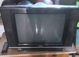 Televisor viejo, no prende, no sé que le pasa