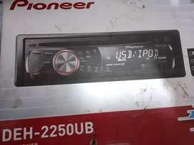Vendo autoestereo usado pionner DEH 2250ub. Con control remoto y USB