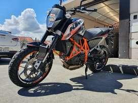 KTM Duke 690 Personalizada