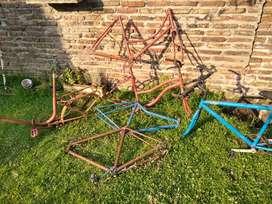 Lote de cuadros y ruedas de bicicleta