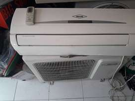 Remate aire de 12.000btu instaldo 110v y 220v