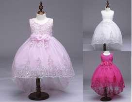 se vende vestidos para bebes y niñas