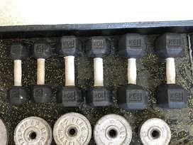 Vendo 3 pares de mancuernas de hierro