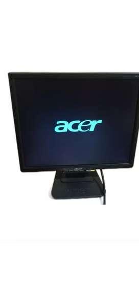 """SE VENDE MONITOR LCD ACER 17"""" USADO BUEN ESTADO"""