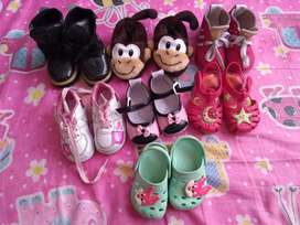 Lote zapatos bebe niña número 19 las botas están nuevas