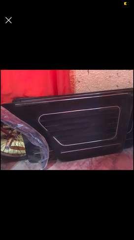 Vendo nuevos paneles de puertas interiores de Fiat 125